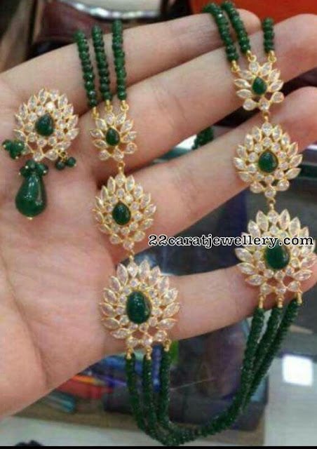 18 Carat gold Emeralds Set