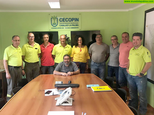 La consejera de Emergencias valora el trabajo del Cecopin para garantizar la seguridad y el bienestar de la sociedad palmera