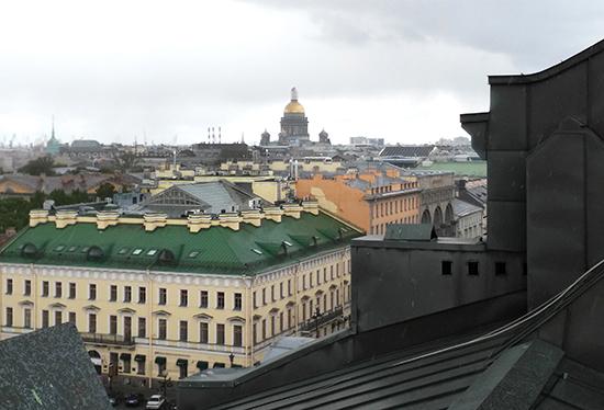 Вид на Исаакиевский собор с крыши дома Зингера