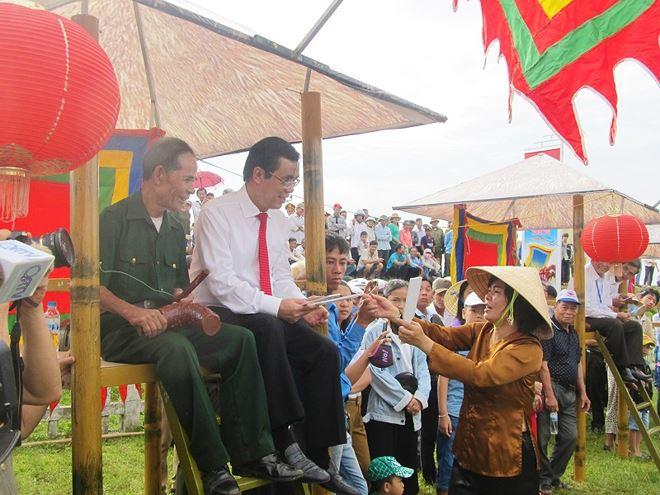 Tại vĩ tuyến 17, tỉnh Quảng Tri tổ chức ngày hội 'Thống nhất non sông' 04