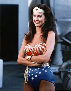 Lynda Carter,  héroïne de la série télévisée Wonder Woman (1975-1979)