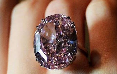 Újra kalapács alá kerül a 60 millió dolláros Pink Star gyémánt