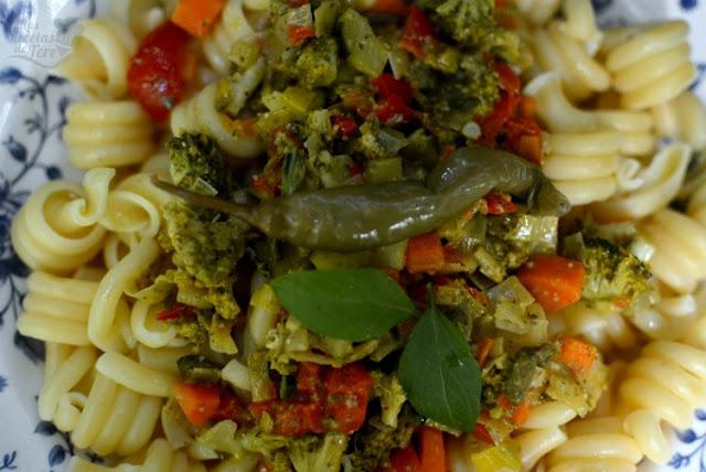 Espirales de pasta con vegetales 01