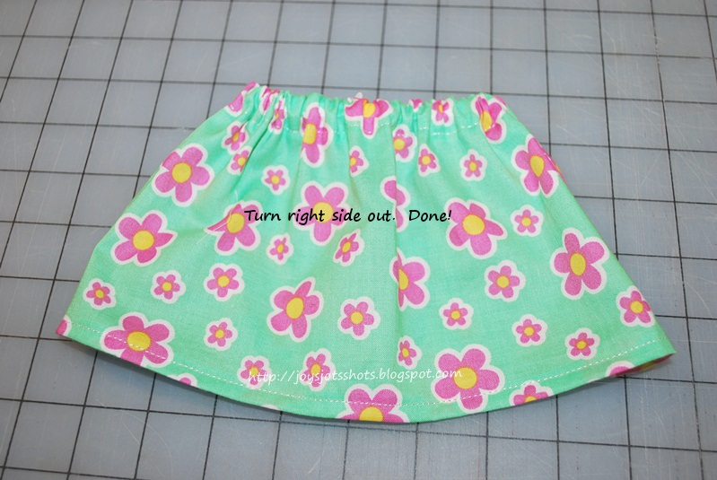 http://joysjotsshots.blogspot.com/2013/06/teaching-beginners-how-to-sew-lesson-6.html