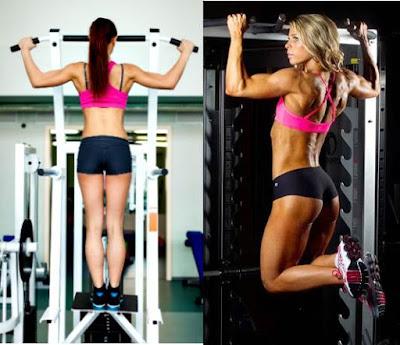 Mujer dominadas ejercicio rutina entrenamiento