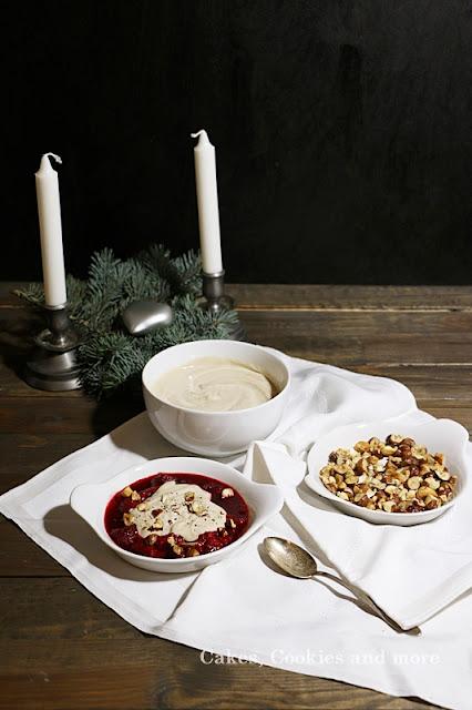 Vegane Cashew Creme mit Zimt, Vanille und Himbeeren