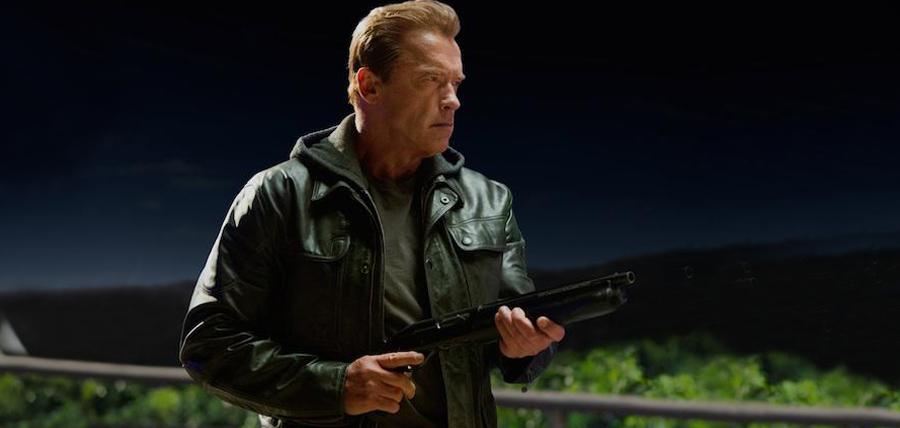 Arnold Schwarzenegger în rolul unui terminator T-800 mai în vârstă
