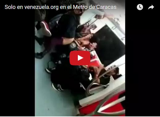 Bailando y pasando culeto en el Metro de Caracas