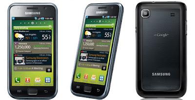 "Spesifikasi Samsung Galaxy S I9000           Ponsel Samsung Galaxy S1 I9000 telah menggunakan tipe display Super AMOLED plus capacitive touchscreen yang ukuran luasnya 4.0"" inch dan dengan resolusi 480 x 800 pixels serta mempunyai kerapatan dan kedalaman warna 16M color - 233 ppi pixels density dijamin bakal memunculkan visual gambar hasil yang memukau. Kemudian mesin yang digunakan ponsel ini adalah ARM Cortex-A8 1 Ghz dan chipset buatan Humingbird serta GPU buatan PowerVR SGX540 dan juga disokong dengan OS Android 2.1 Eclair yang dapat di upgrade menjadi 2.3 Gingerbread.     Kamera yang ditancapkan pada ponsel ini berkekuatan 5 MP dengan resolusi 2592 x 1944 pixels dan telah dilengkapi Autofocus, Geo-tagging, Touchfocus, face and smile detection. Sedangkan kamera depanya hanya memakai VGA namun sudah dilengkapi video record 720p@30fps. Selain itu, untuk memorynya sendiri ialah sudah dibekali dengan perbekalan internal 8 GB / 16 GB storage dan external yang memakai slot microSD hingga 32 GB, sangat luar biasanya memory yang dibawakan ponsel ini.  Ponsel Samsung Galaxy S1 I9000 tersebut mempunyai segudang kelebihan seperti layarnya telah dibalutkan dengan fitur Corning Gorilla Glass dan memakai pula fitur TouchWiz UI, kemudian kekuatan kameranya yang dibekali dengan resolusi 5 MP serta layar yang telah ditancapkan teknologi Super AMOLED dengan capacitive touchscreeb, diyakini mereka fitur-fitur tersebut bakal menarik perhatian seluruh umat manusia khususnya pecinta gadget. Namun sayangnya ponsel ini memiliki kekurangan pada bagian system operasinya yang hanya memakai Android v2.1 Eclair yang bisa di upgrade menjadi v2.3 Gingerbread dan pada kekuatan RAM-nya sangat kecil yakni 512 MB saja.  Kelebihan   Penggunaan layar Super AMOLED capacitive touchscreen dan sudah memiliki kerapatan pixel tinggi  Memiliki pelindung Corning Gorilla Glass  Mendukung konektivitas 3G  Kekurangan    Sistem operasi masih lama Android 2.1, tidak mendukung aplikasi terbaru  Kamera depan hany"