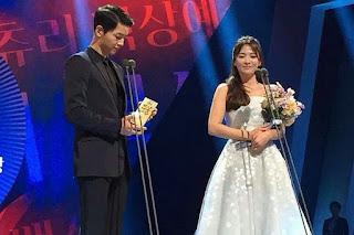 Song Joong Ki Sukses Sabet Penghargaan Presiden Bersama Dengan Song Hye Kyo !