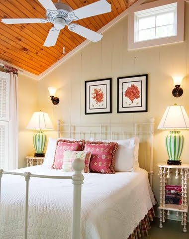 9 Cozy Coastal Beach Cottage Bedroom Design Ideas