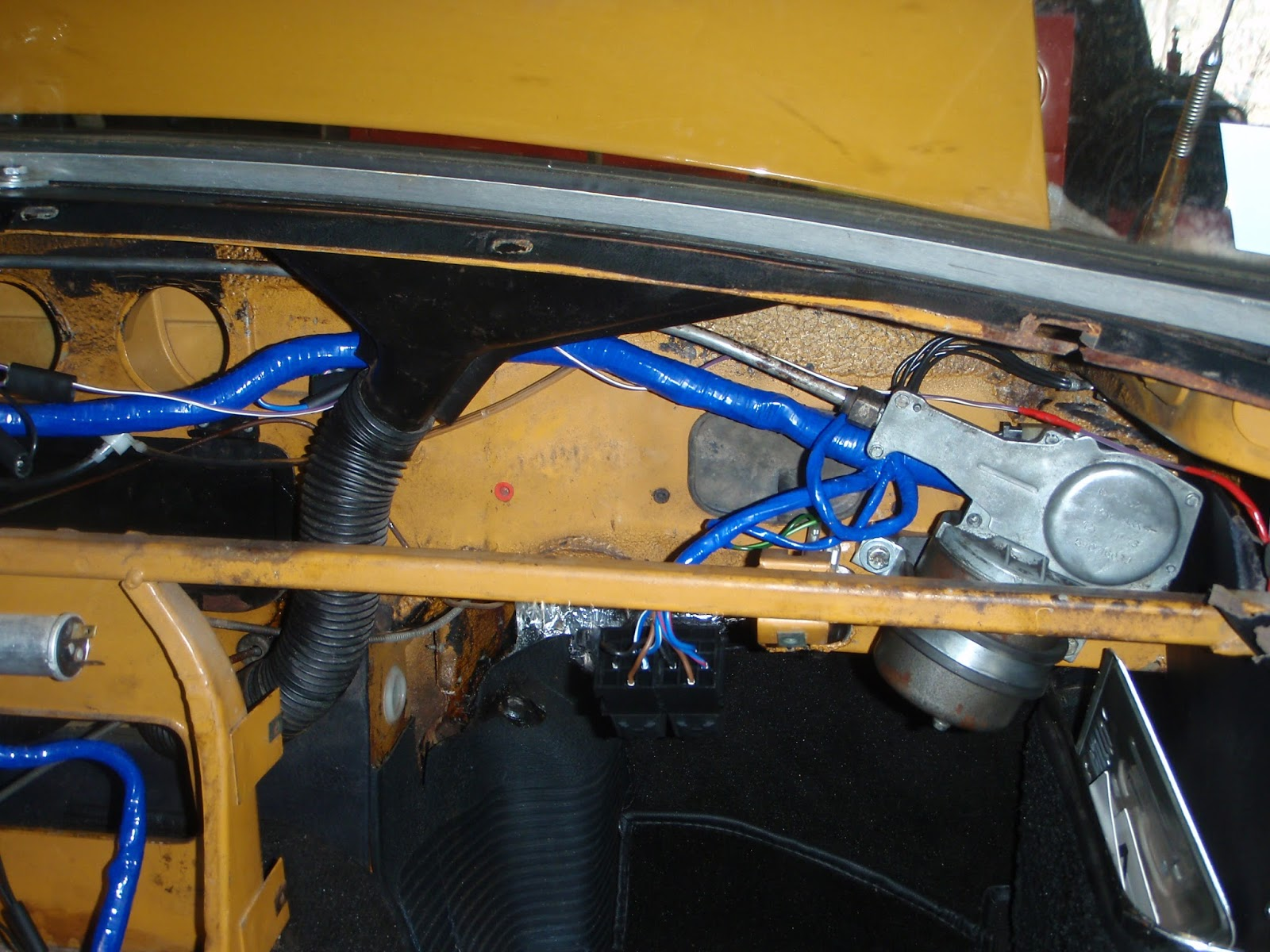 Wiring Harness Installed Mgb In The Garage New Vinyl Top Alternator Etc Behind Passenger Side Dash I Windshield Wiper Motor At Same Time You Can See Headlight Relays Had Dangling