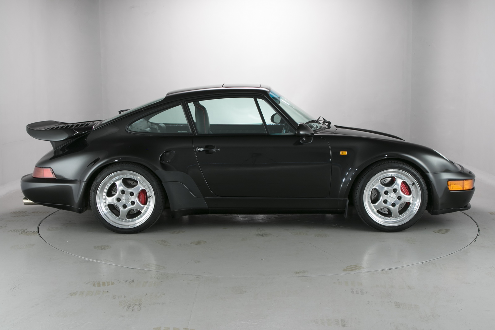 one of 76 flatnose porsche 964 turbos goes for nearly 1 million carscoops. Black Bedroom Furniture Sets. Home Design Ideas