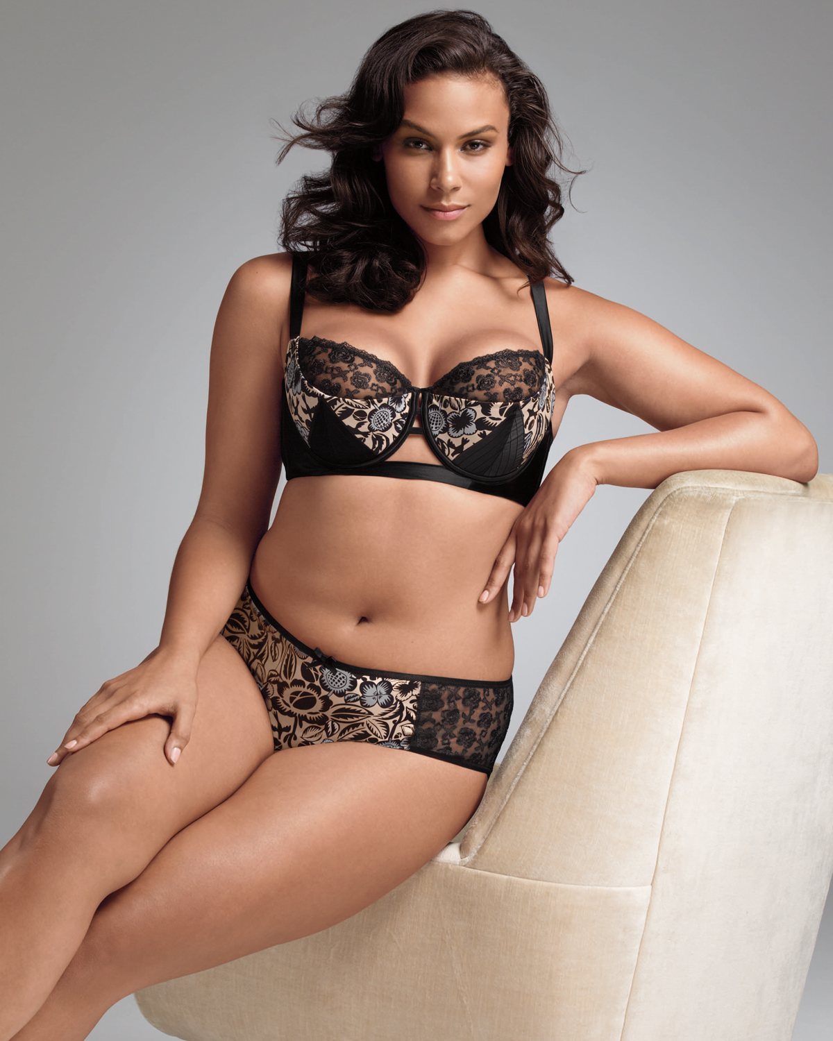 Sexy Plus Size Lingerie and Intimate Apparel. Our sexy plus size lingerie is flattering, pretty and always keeps you front and center. The assortment of plus size sexy lingerie is equal parts flirty and fun, so you can always find the fit that sparks your desire.
