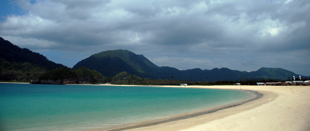 indonesia aceh lampuuk beach