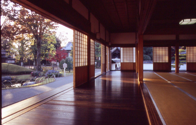Jap n cultura y arte constantes en la arquitectura for Casa clasica japonesa