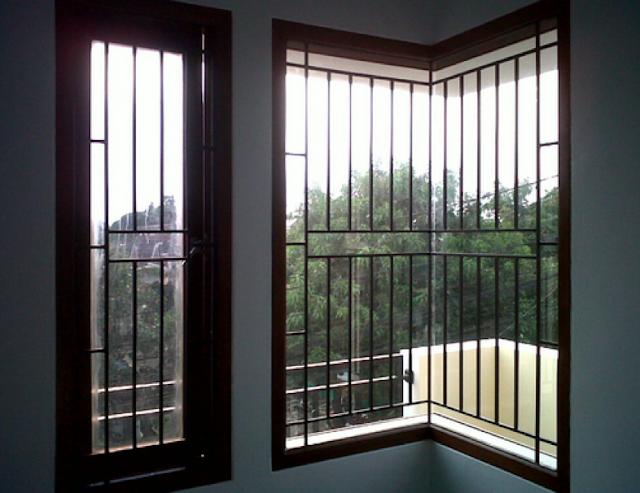 teralis jendela vertikal