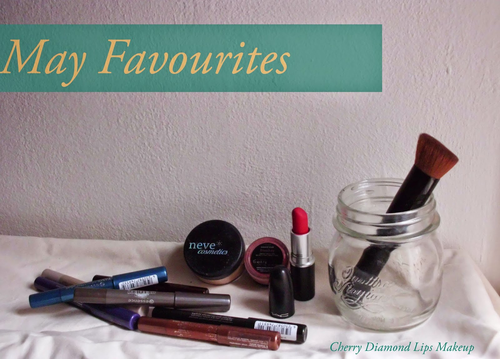 May Favourites, Neve Cosmetics, High Coverage Foundation Tan Warm, Relentlessly Red Mac, Stays No Matter What, Essence, Bombay, BB Cream Brush, H&M