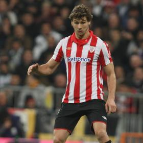 Llorente is the tallest player of the Spanish League