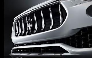 Maserati Levante S benzina griglia anteriore