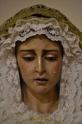 Virgen de la Soledad de la Hermandad de la Soledad de la localidad de Chitré en Panamá y que está en la Catedral de San Juan Bautista