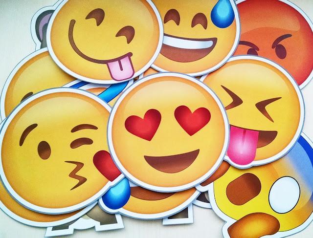 Donwload Placas de Emojis para festas