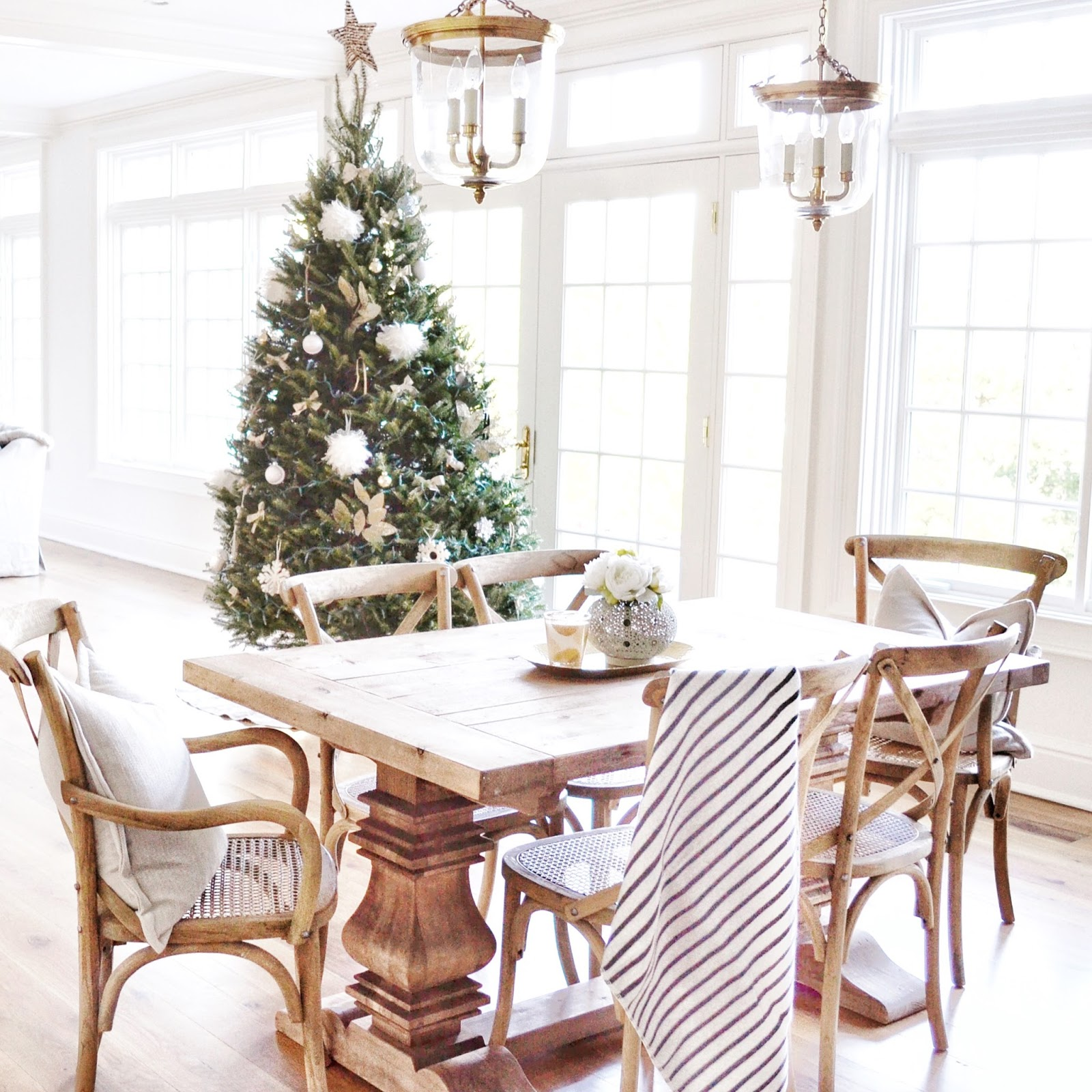 12th and White: The Most Gorgeous Holiday Tour: Home Sweet Hillcrest