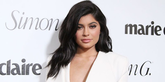 Celebrity-Inspired Cosmetic Procedure Lip Fillers