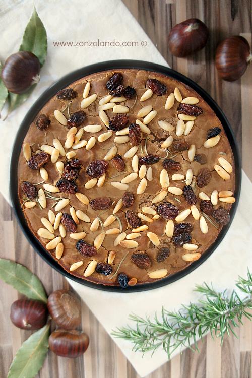Ricetta del castagnaccio toscano tradizionale con pinoli e rosmarino - Chestnutcake italian recipe