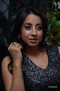 Actress Sanjjanna Stills at Mirrors Club Salon Launch at Banjara Hills
