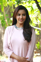 Priya Anand in simply Pink at an interview for movie KOOTATHIL ORUTHAN~  Exclusive celebrities galleries 020.jpg