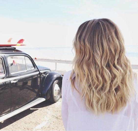 capelli mossi e macchina