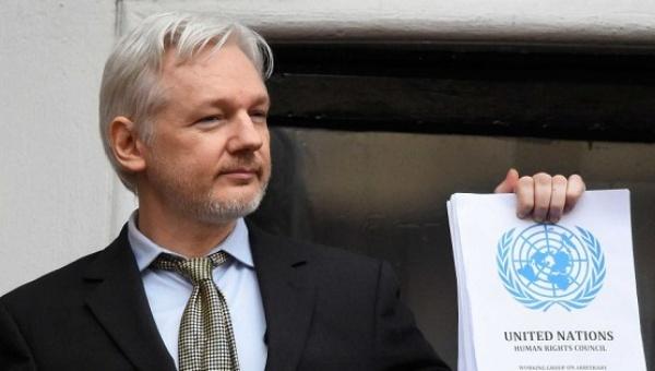 Assange: Publicaremos más información sobre campaña presidencial de Clinton