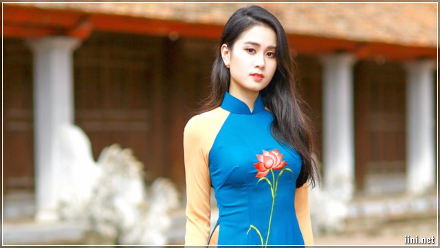 ảnh cô gái mặc áo dài xanh xinh đẹp