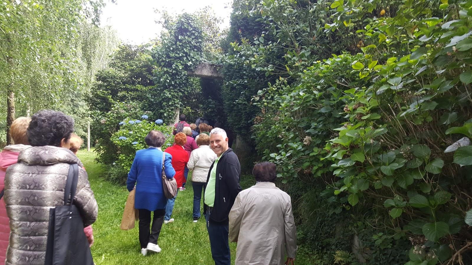 Chicos y chicas de ascivitas los jardines de la fonte baixa for Jardines de la fonte baixa