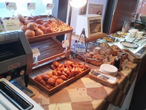 ビュッフェコーナー:パン1 札幌東急REIホテル サウスウエスト