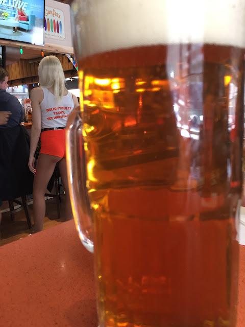 Hooter's 16 oz beer