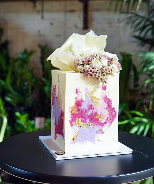 K'Mich Weddings - wedding planning - wedding cake ideas - cube cake with water color design - instagram