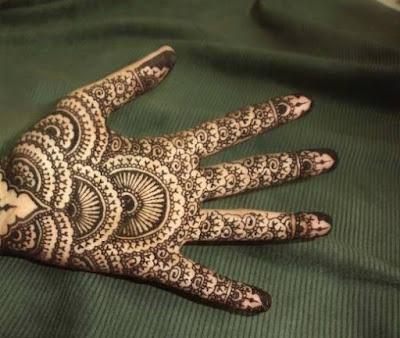 Beautiful Mehendi Designs for Bride