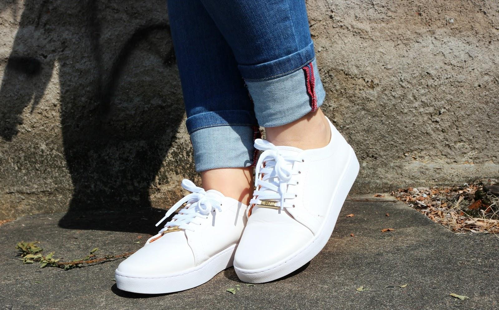d79af2e9b97 A tradicional marca de saltos Vizzano têm se aventurado no universo dos  sapatênis e tem dado super certo! Esse tênis branco é muito delicado e  estiloso