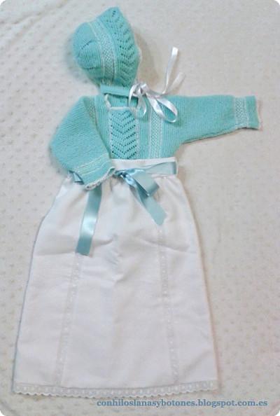 Con hilos, lanas y botones: Conjunto de primera puesta (jubón y capota) para bebé