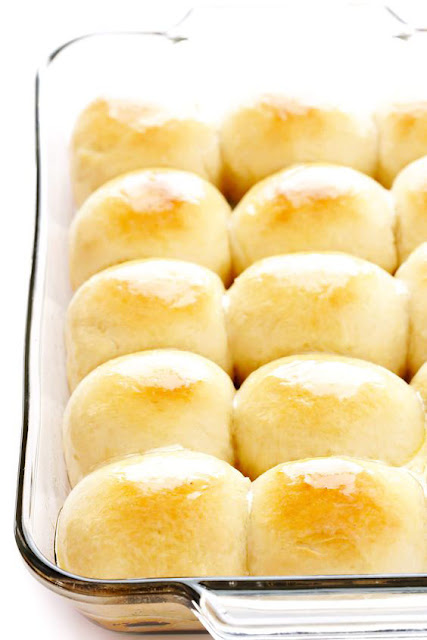 1-Hour Soft and Buttery Dinner Rolls