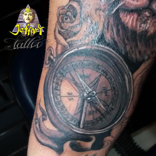 Jeffart tattoo studio tatuagens exclusivas for Tatoo bussola