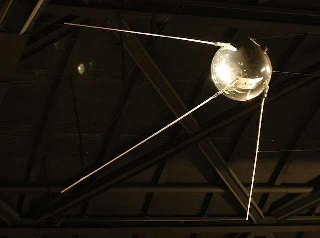Réplica do Sputnik-1