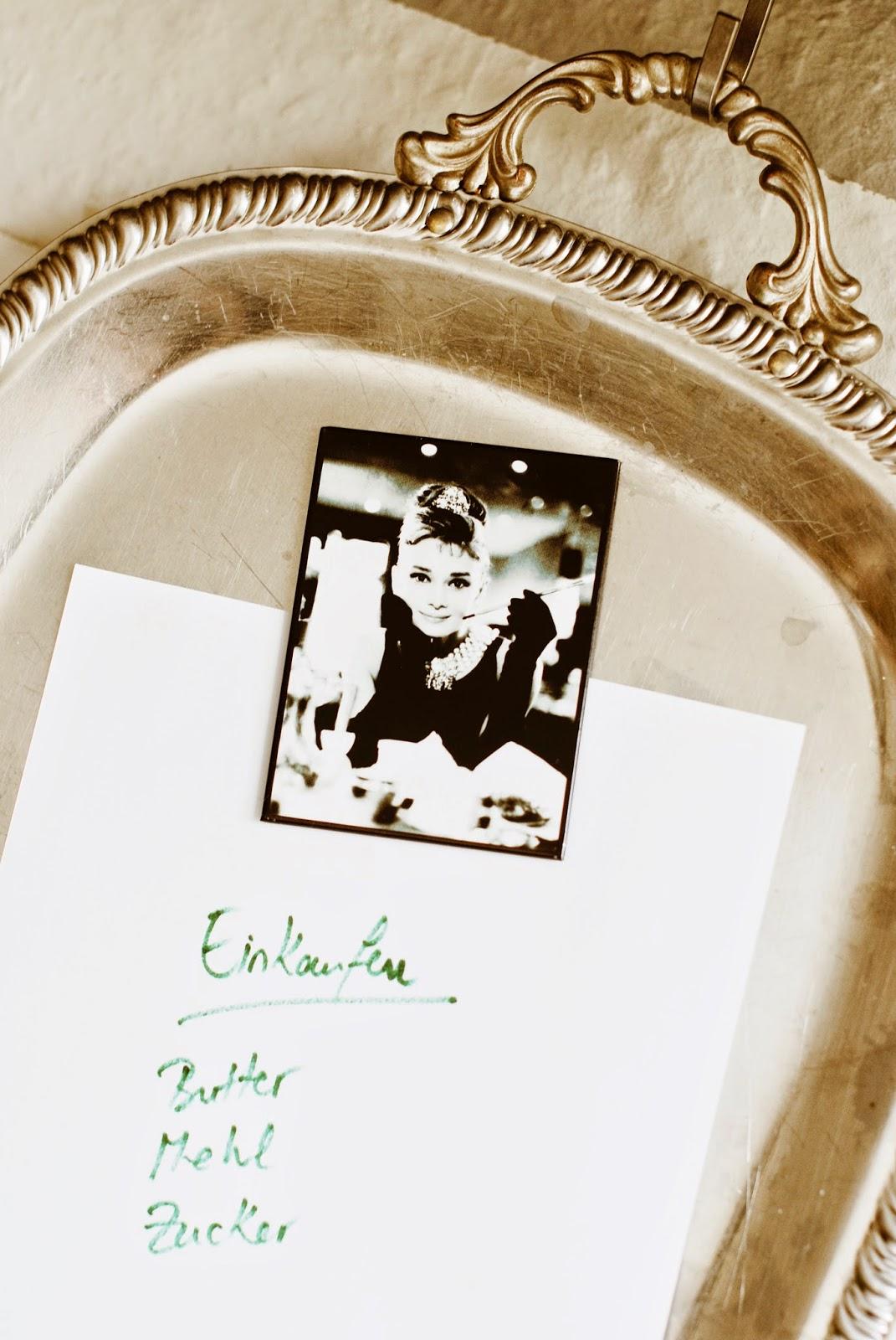 DIY - Edelstahl -Tablett + Wand = Magnettafel