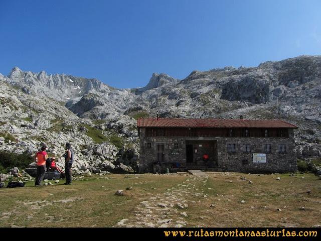 Mirador de Ordiales y Cotalba: Refugio de Vegarredonda