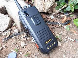 Hape Outdoor Runbo H1 Walky Talky VHF 4G LTE IP67 Certified Baterai 6000mAh