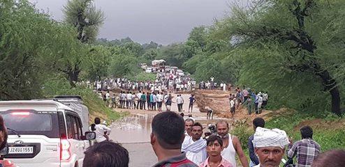 4840 लोगो को सुरक्षित स्थानों पर और 252 लोगों को पानी मे डूबे हुए को बाहर निकाला