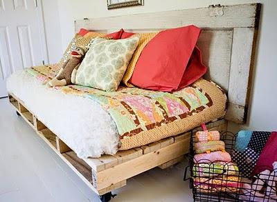 Καναπές από παλέτες
