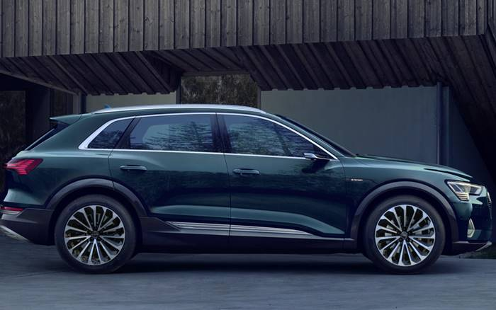 The Audi e-tron model is a full-size crossover , which is equipped with two electric motors , an all-electric drive and a high-voltage battery , which allows you to travel over 400 km without recharging.